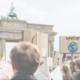 Klimastreikt vor dem Brandenburger Tor