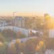 Stadt bei Sonnenuntergang