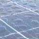 Wassertropfen auf einem Solarmodul