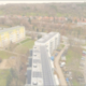 Dronenaufnahme von PV-Anlagen auf mehreren Wohnimmobilien in Freyburg