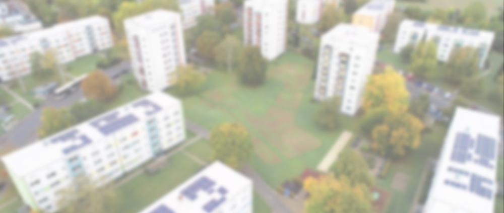 Mehrere Gebäude mit PV