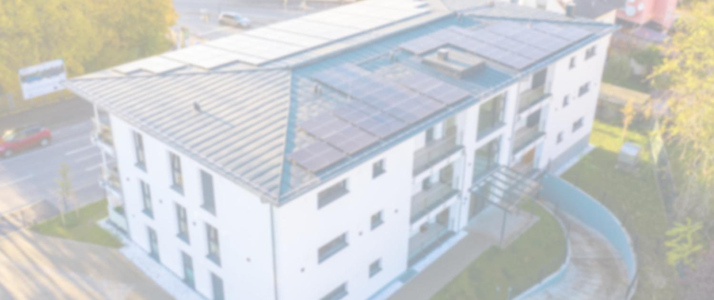 PV Anlage auf KfW 40 Plus Gebäude - Bild mit Grauschleier